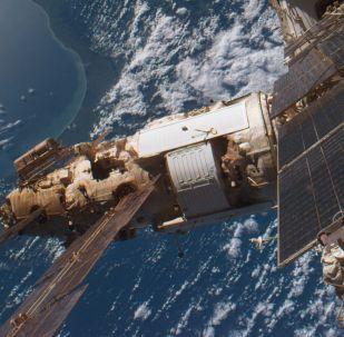 Vistas de la estación orbital ruso-soviética Mir, 'vecino' de los espejos orbitales del proyecto Znamya
