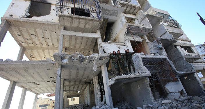 Edificio destruido en Latakia (imagen referencial)