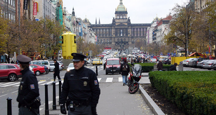 Policía en Praga