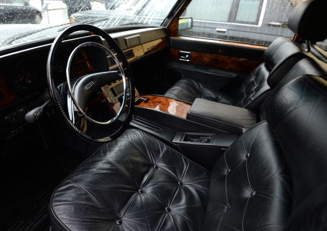 Automóvil ZIL (archivo)