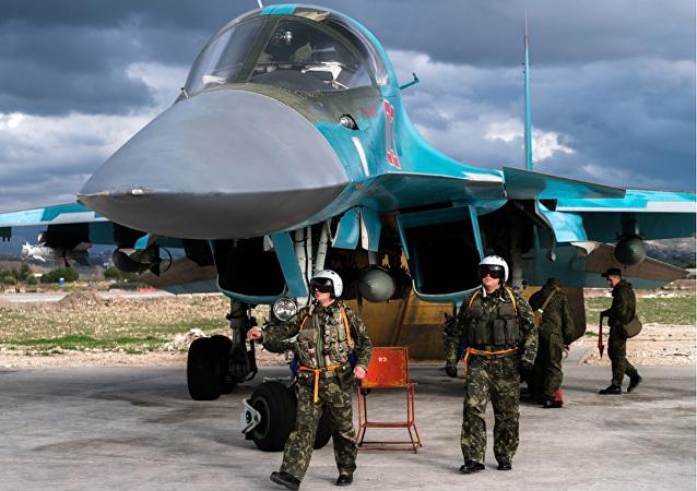 Pilotos rusos en la base aérea de Hmeymim en Siria (imagen referencial)