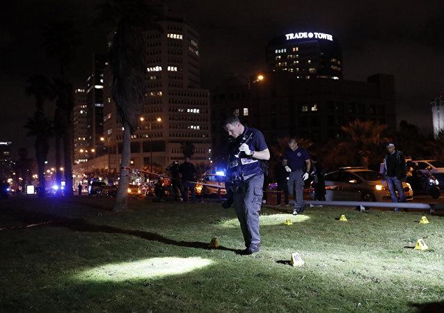 Policía israelí en el lugar del atentado en Tel Aviv