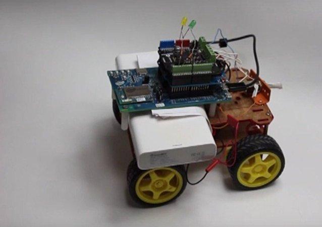 Robot controlado por la fuerza del pensamiento
