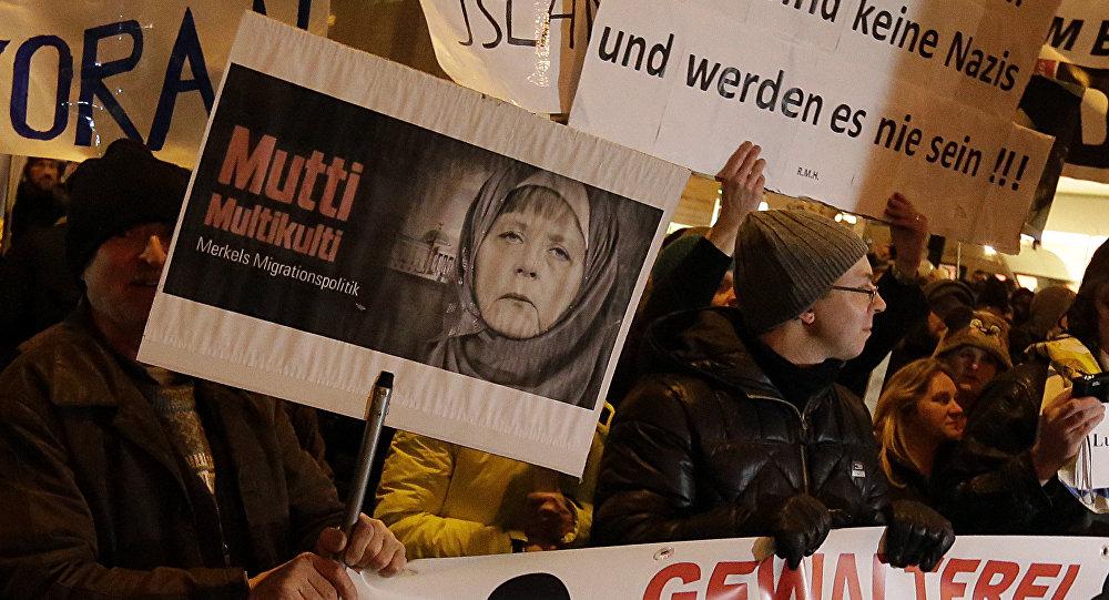 Manifestación en contra de la política migratoria de Merkel en Múnich, Baviera