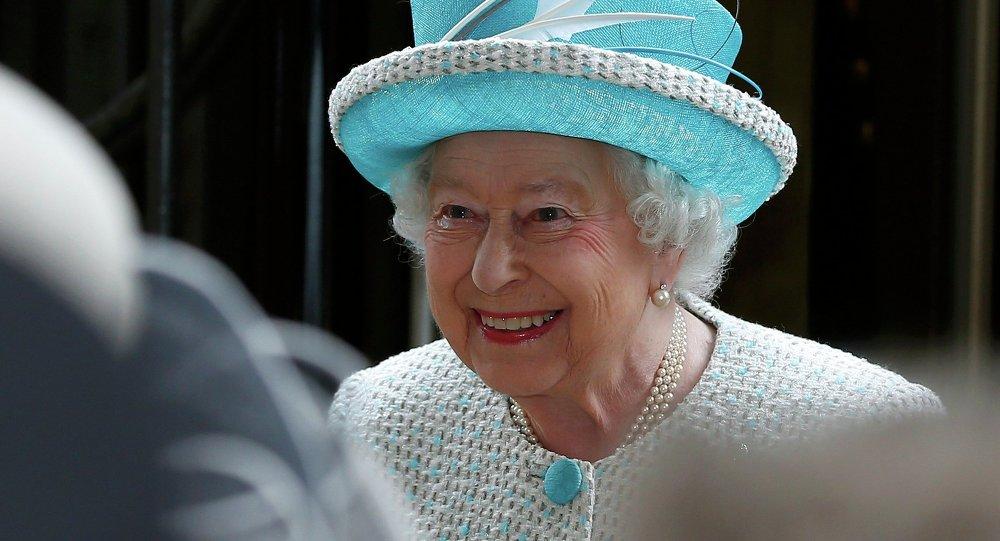 La reina Isabel II de Inglaterra (archivo)