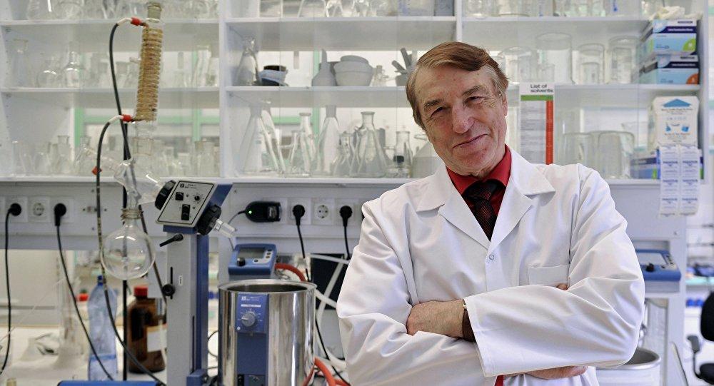 Ivars Kalvins, director del Instituto de Síntesis Orgánica de Letonia