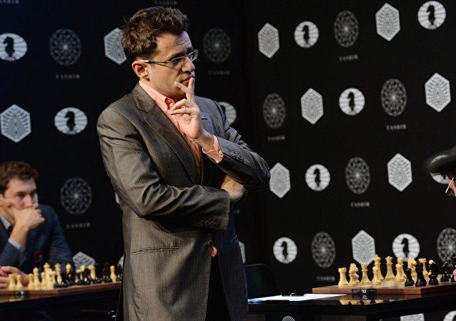 El gran maestro Levón Aronián en un torneo de candidatos de cara al Campeonato Mundial de Ajedrez