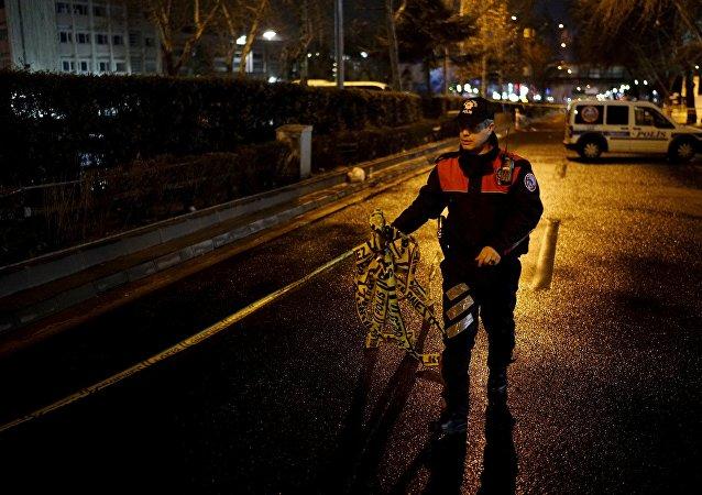 Un policía de Ankara