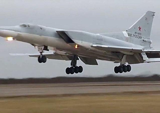 El avión Tu-22M3