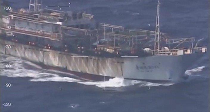 Barco chino pesca ilegalmente en aguas argentinas