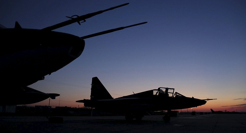 Su-25 rusos después de regresar de Siria en el aeródromo de Krasnodar en Rusia
