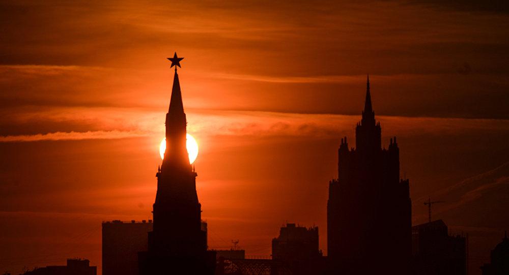 Vista al Kremlin y el Ministerio de Exteriors de Rusia
