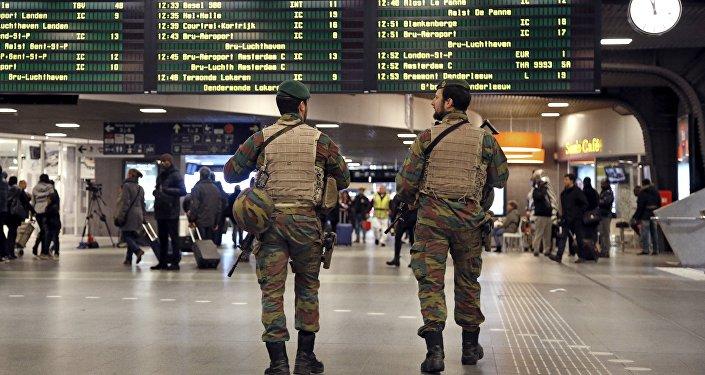 Soldados belgas en el aeropuerto de Bruselas (archivo)