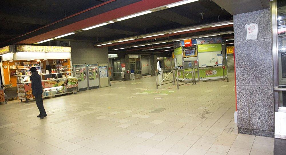 Una estación del metro evacuada en Bruselas