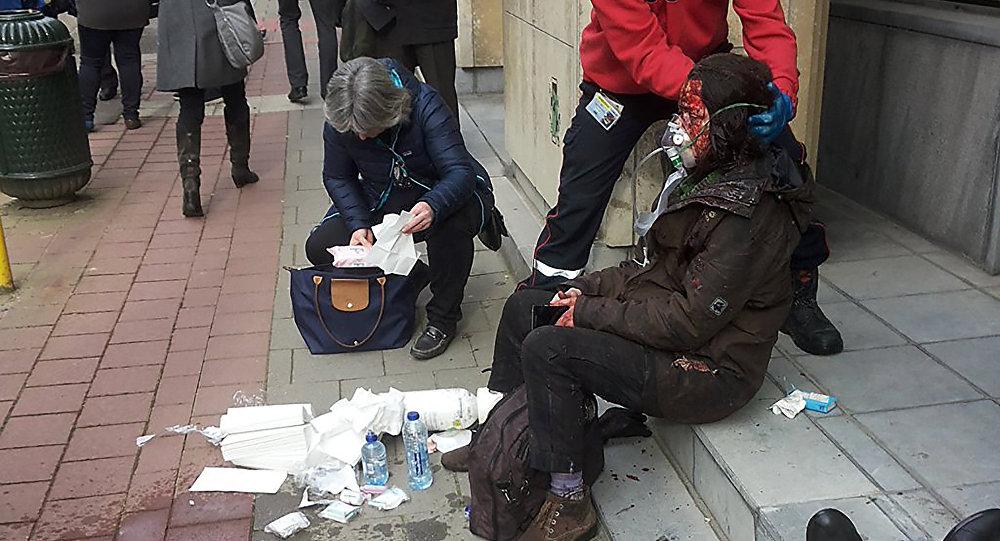 Una persona herida en el lugar del atentado en Bruselas