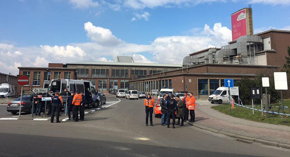 La policía acordona el aeropuerto de Bruselas tras las explosiones
