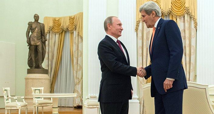 El encuentro entre el presidente de Rusia Vladímir Putin con John Kerry, el secretario de estado de EEUU