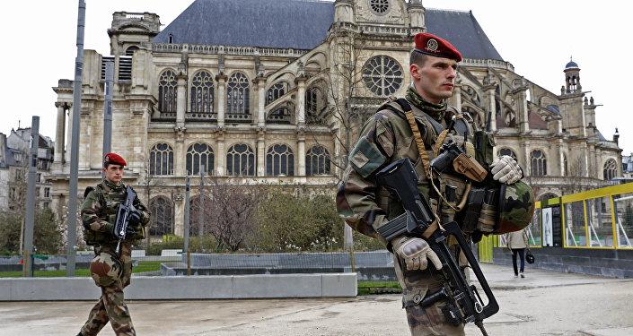 Militares franceses en París (archivo)