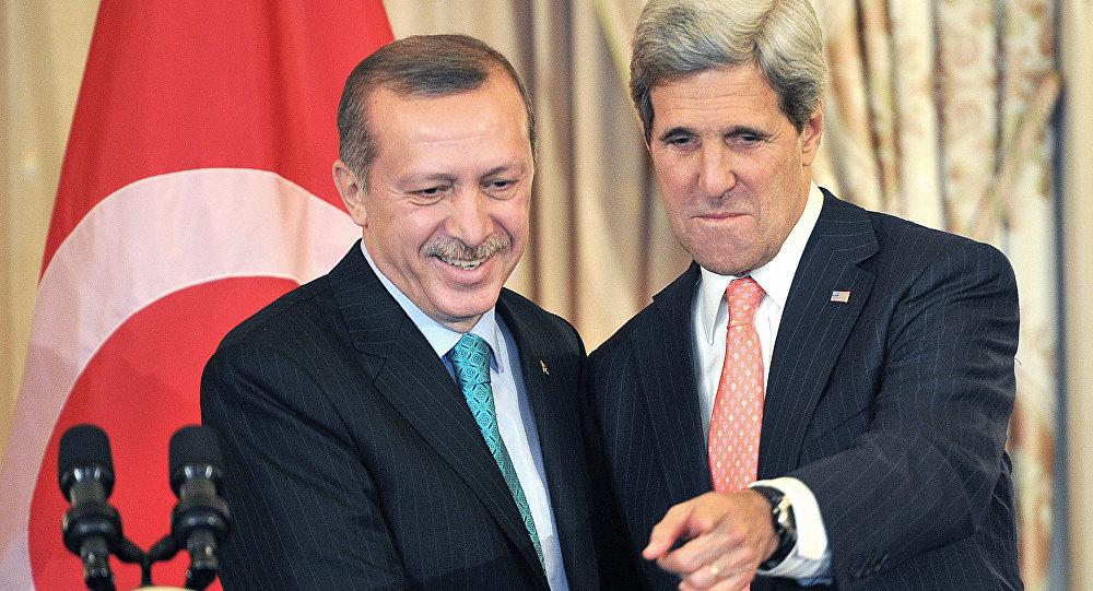 Recep Tayyip Erdogan, presidente de Turquía, y John Kerry, secretario de Estado de EEUU