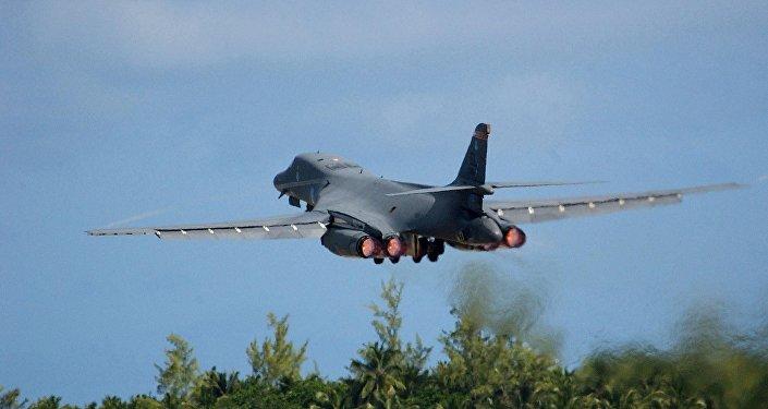 Resultado de imagen de B-1B Lancer aterrizó en la base estadounidense en Osan,