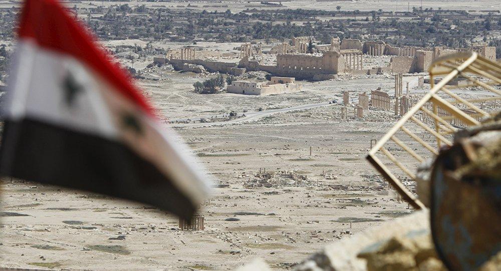 Bandera de Siria en Palmira