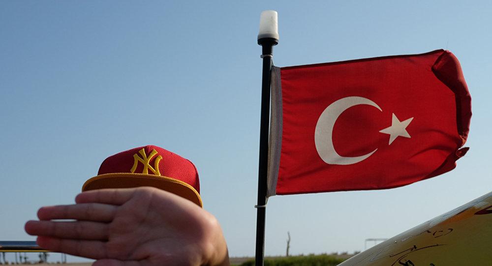 Turista en el balneario turco de Antalya