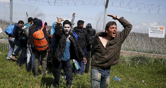 Refugiados cerca de la frontera de Grecia