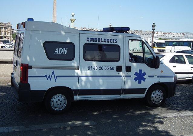 Una ambulancia en Francia (archivo)