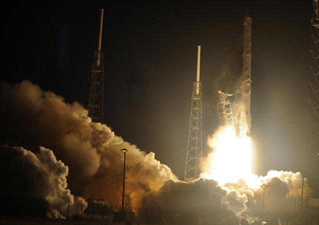 Lanzamiento del cohete SpaceX (archivo)