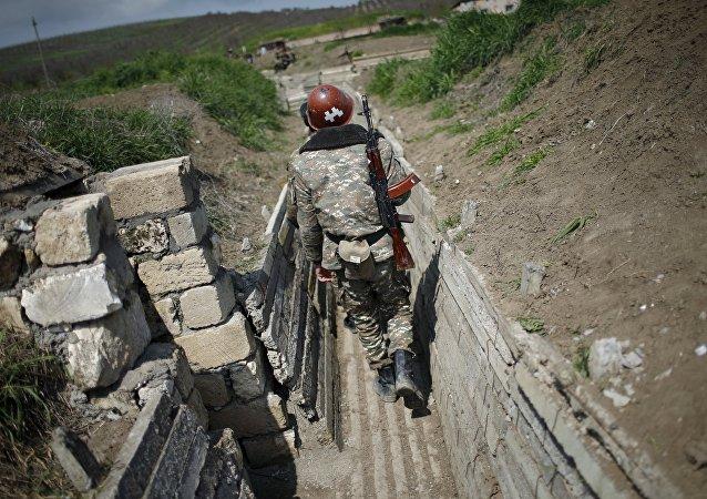 Militar en Nagorno Karabaj (archivo)