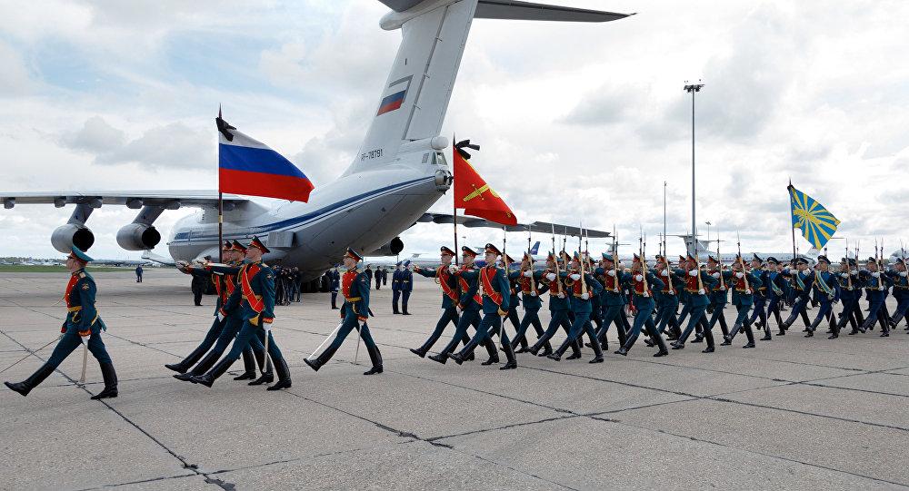 Ceremonia de despedida del oficial ruso Alexandr Projorenko