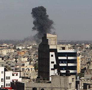 Bombardeo aéreo por el Ejército israelí en la Franja de Gaza