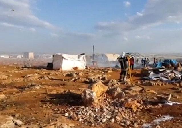 Campamento de refugiados en Idlib tras sufrir un ataque aéreo