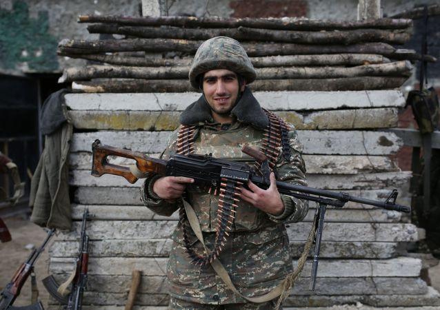 Militar armenio en Nagorno Karabaj