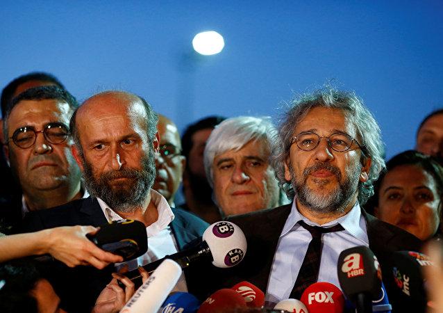 Erdem Gul y Can Dundar, periodistas turcos