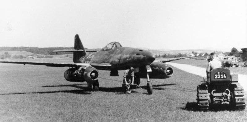 El primer caza de reacción, el Me 262 alemán en 1944
