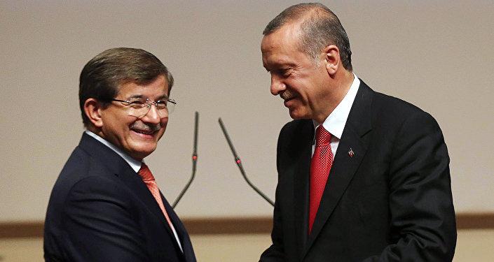 Ahmet Davutoglu y Tayyip Erdogan