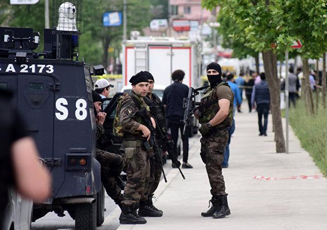 Policías turcos en la ciudad de Estambul (archivo)