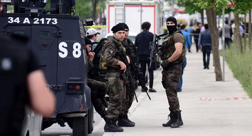 Ataque con cuchillo de 'Daesh' causa muerte de un policía turco