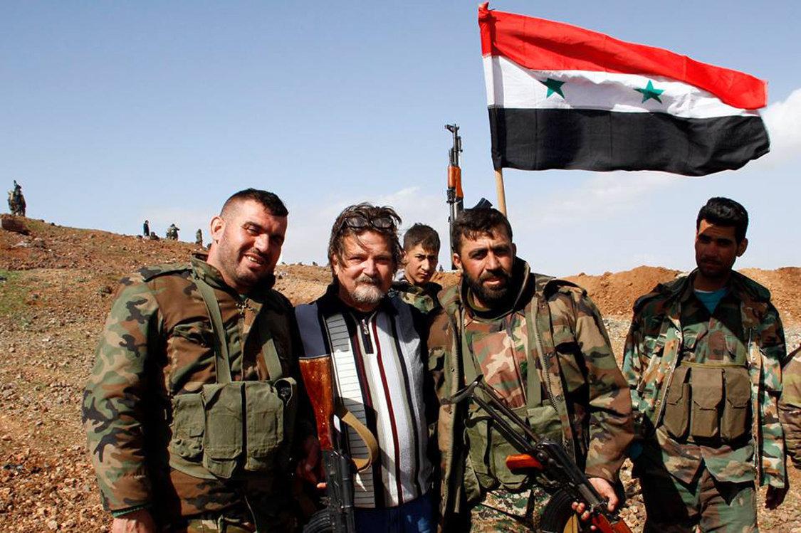 Miguel Fernández, en las trincheras del triángulo Daraa-Damasco-Quneitra.