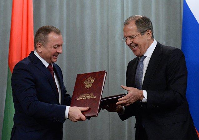 Ministro de Asuntos Exteriores de Bielorrusia, Vladímir Makei y ministro de Asuntos Exteriores de Rusia, Serguéi Lavrov (archivo)