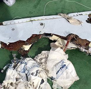 Restos del avión de EgyptAir siniestrado en el Mediterráneo