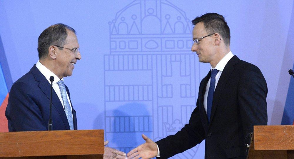Canciller ruso, Serguéi Lavrov y canciller húngaro, Péter Szijjártó