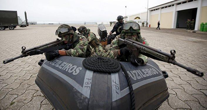 Soldados de la OTAN  (archvio)