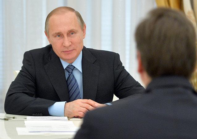 Presidente de Rusia, Vladímir Putin y primer ministro de Serbia, Aleksandar Vucic