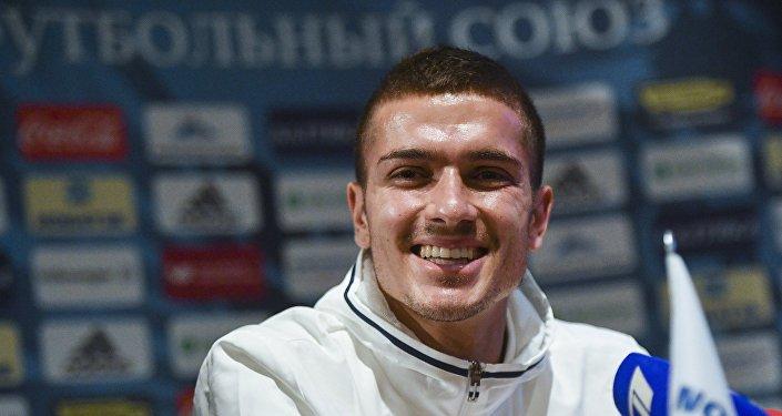 Roman Neustadter, futbolista alemán