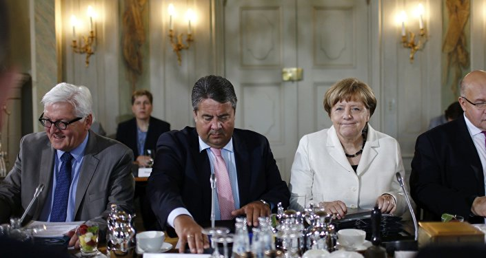 El ministro de asuntos exteriores de Alemania, Frank-Walter Steinmeier vicecanciller, Sigmar Gabriel, cancillera Ángela Merkel