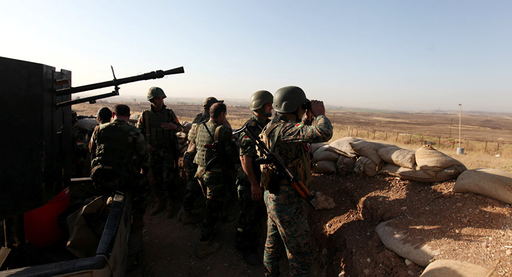 Militantes de Peshmerga cerca de la ciudad de Mosul