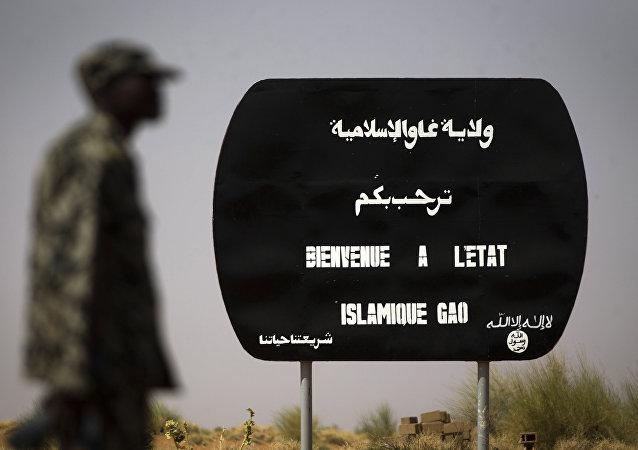 El cartel de Daesh: Bienvenidos al Estado Islámico en Gao, Mali (archivo)