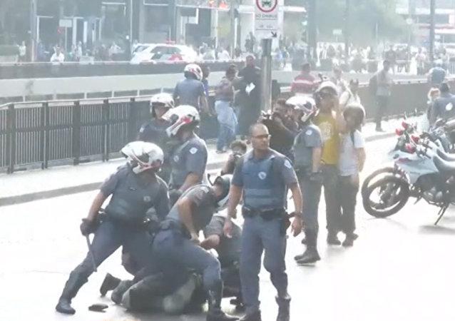 Violencia policial en una protesta contra el Gobierno de Temer en Brasil